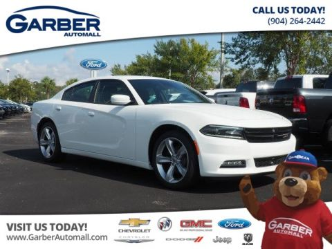 New Dodge Charger SXT Plus in Loaner Status