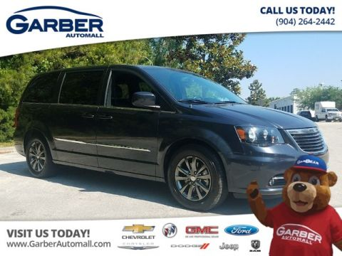 Used Chrysler Town & Country S