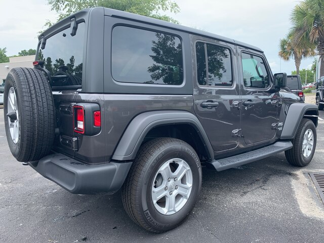 New 2019 Jeep Wrangler Sport 4x4 Tech Group, auto, Hard Top