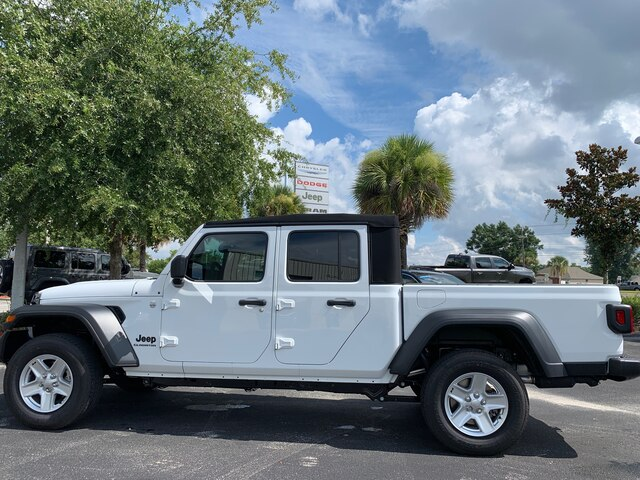 New 2020 Jeep Gladiator Sport 4x4, Alpine Radio, Tow