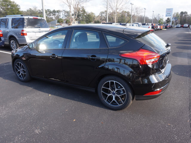 new 2017 ford focus sel 4dr hatchback hatchback in green cove springs hl221463 garber automall. Black Bedroom Furniture Sets. Home Design Ideas