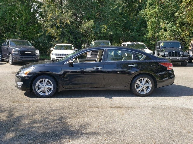 Pre-Owned 2015 Nissan Altima 2.5 SL w/Sunroof