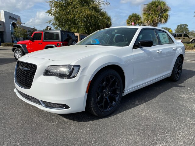 New 2020 Chrysler 300 Touring, Sport Appearance Group