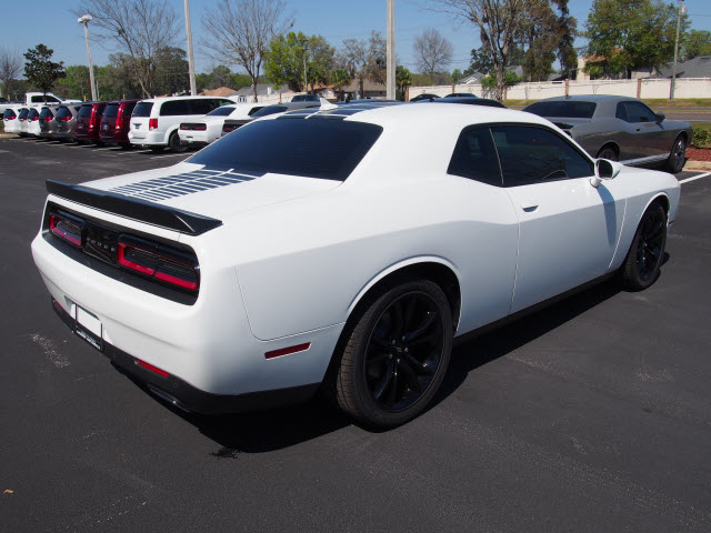 new 2017 dodge challenger sxt plus 2dr coupe coupe in. Black Bedroom Furniture Sets. Home Design Ideas