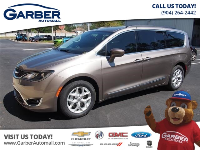 New 2017 Chrysler Pacifica Touring L 4dr Mini Van