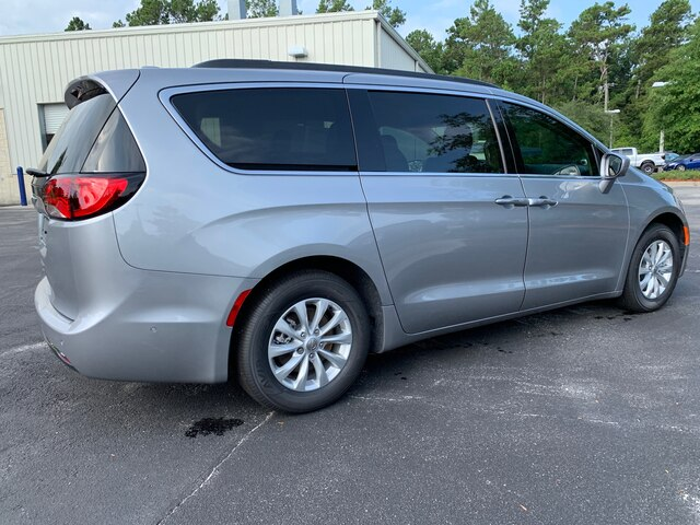New 2019 Chrysler Pacifica Touring Plus Nav, Roof Rack, Advance Safety Pack