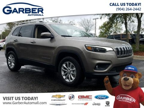 New 2019 Jeep Cherokee Latitude 4x4 V6 on Sale