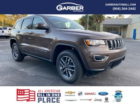 "2020 Jeep Grand Cherokee Laredo 4x4, Trailer Tow, *.4 U Connect"" With Navigation & 4WD"