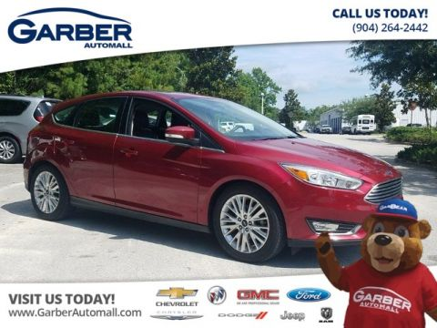 Pre-Owned 2017 Ford Focus Titanium w/Navigation