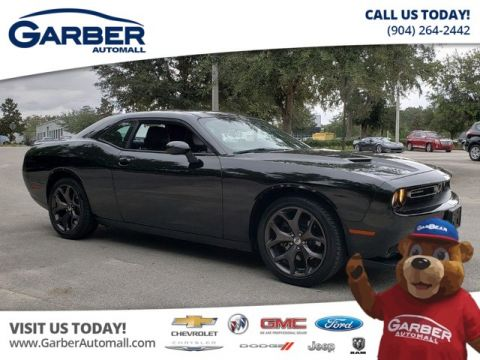 Pre-Owned 2018 Dodge Challenger SXT Plus w/Tech Package Sunroof