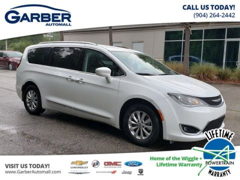 Pre-Owned 2018 Chrysler Pacifica Touring L FWD Minivan