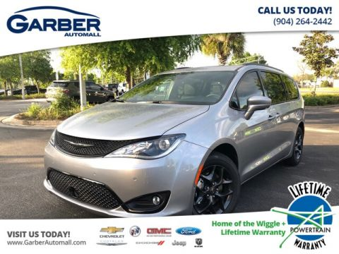 New 2019 Chrysler Pacifica Touring in Loaner Service FWD Minivan