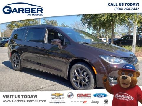 New 2019 Chrysler Pacifica Touring L w/ S Appearance Group FWD Minivan