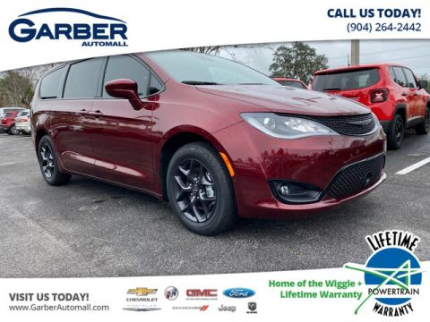 2020 Chrysler Pacifica Touring With Navigation