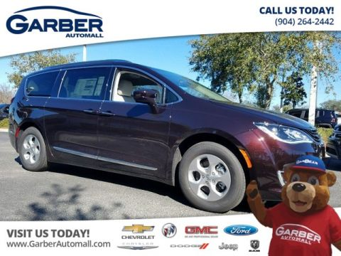 New 2018 Chrysler Pacifica Hybrid Touring L IN DEMO STATUS